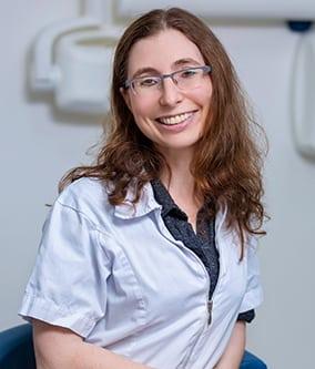 ריטה יושפה - מומחית לטיפולי שורש