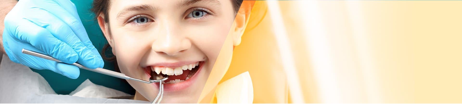 איטום חריצים בשיניים